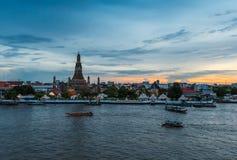 Ναός Wat arun στο λυκόφως στοκ φωτογραφία με δικαίωμα ελεύθερης χρήσης