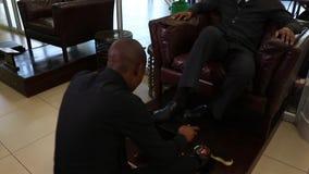 Να λάμψει παπουτσιών απόθεμα βίντεο
