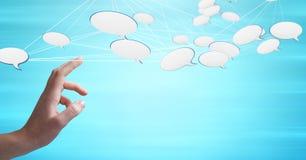 Να αγγίξει χεριών με τα τρισδιάστατα συνδεδεμένα εικονίδια φυσαλίδων συνομιλίας Στοκ φωτογραφίες με δικαίωμα ελεύθερης χρήσης