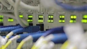 Να αναβοσβήσει LEDs στους οπτικούς μετατροπείς απόθεμα βίντεο