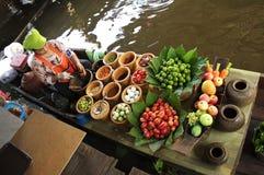 Να αναμίξει επάνω Papaya τη σαλάτα Στοκ φωτογραφίες με δικαίωμα ελεύθερης χρήσης