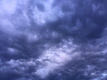Να απειλήσει σύννεφων θύελλας Στοκ Φωτογραφίες