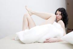 να βρεθεί κάλυψης brunette σπορ&e Στοκ Εικόνες
