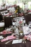να δειπνήσει λεπτός καθορισμένος επιτραπέζιος γάμος Στοκ φωτογραφία με δικαίωμα ελεύθερης χρήσης