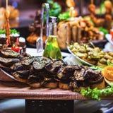 Να δειπνήσει τομέα εστιάσεως γευμάτων μπουφέδων κουζίνας μαγειρική έννοια κόμματος εορτασμού τροφίμων Στοκ Φωτογραφία