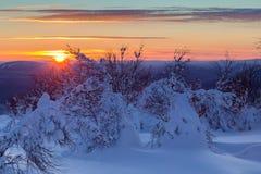 να είστε απολύτως ευτυχής ακούει το ι εάν τα βουνά εικόνας ευχαριστούν χρησιμοποιημένος όπου ο χειμώνας εσείς Στοκ εικόνες με δικαίωμα ελεύθερης χρήσης