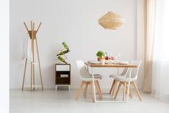 Να δειπνήσει ζώνη στο στούντιο στοκ φωτογραφία με δικαίωμα ελεύθερης χρήσης
