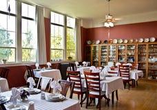 να δειπνήσει κομψό δωμάτι&omicro Στοκ Φωτογραφίες