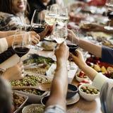 Να δειπνήσει πλήθους επιλογής Brunch επιλογές τροφίμων που τρώνε την έννοια Στοκ Εικόνα