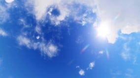 Να εξετάσει επάνω το μπλε ουρανό με τον ήλιο και τα σύννεφα 4K απόθεμα βίντεο