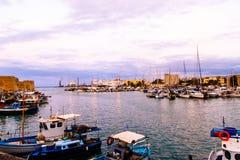 Να εξισώσει σε έναν μικρό ελληνικό λιμένα Στοκ Εικόνες