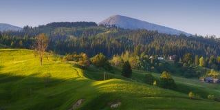 Να εξισώσει στο ορεινό χωριό Στοκ Εικόνες