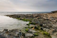 να εξισώσει τη δύσκολη ακτή Στοκ Φωτογραφία