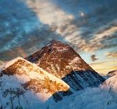 Να εξισώσει τη χρωματισμένη άποψη του όρους Έβερεστ από τη Kala Patthar Στοκ φωτογραφία με δικαίωμα ελεύθερης χρήσης