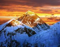 Να εξισώσει τη χρωματισμένη όψη Everest από τη Kala Patthar Στοκ εικόνα με δικαίωμα ελεύθερης χρήσης