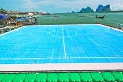 Να επιπλεύσει ποδόσφαιρο πεδίων Στοκ φωτογραφία με δικαίωμα ελεύθερης χρήσης