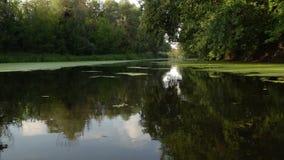 Να επιπλεύσει στον ποταμό φιλμ μικρού μήκους