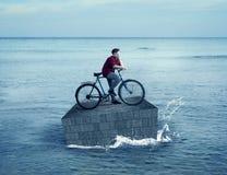 Να επιπλεύσει στον ωκεανό Στοκ Εικόνες