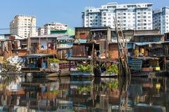 Να επιπλεύσει αγορά με την αντανάκλαση στο νερό Στοκ Εικόνα