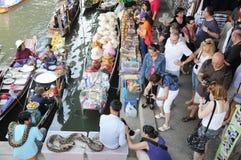 Να επιπλεύσει αγορά, Damnoen Saduak, Ταϊλάνδη Στοκ εικόνες με δικαίωμα ελεύθερης χρήσης