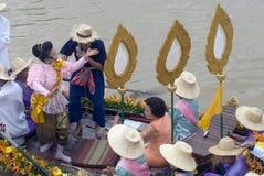 Να επιπλεύσει κεριών Chado παλληκαριών φεστιβάλ, Ταϊλάνδη Στοκ Φωτογραφίες