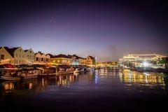 Να επιπλεύσει Punda αγορά στο σούρουπο Στοκ Εικόνες