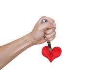 Να διαπεράσει μια κόκκινη καρδιά Στοκ εικόνες με δικαίωμα ελεύθερης χρήσης