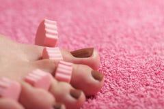 Να ισχύσει pedicure ποδιών Στοκ Φωτογραφία