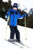 να κάνει σκι αγοριών Στοκ εικόνα με δικαίωμα ελεύθερης χρήσης