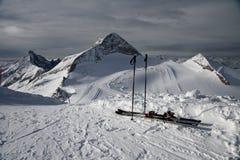 να κάνει σκι βουνών Στοκ Εικόνες