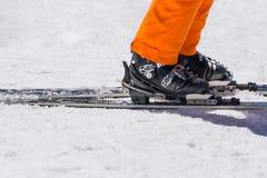Να κάνει σκι εξοπλισμός και ακραίος χειμερινός αθλητισμός στο χιόνι στοκ φωτογραφίες με δικαίωμα ελεύθερης χρήσης