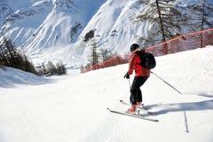 να κάνει σκι εποχής ημέρας φρέσκος ηλιόλουστος χειμώνας χιονιού Στοκ Εικόνα