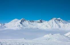 Να κάνει σκι θέρετρο Gudauri στη Γεωργία, Καύκασος Montains Στοκ εικόνα με δικαίωμα ελεύθερης χρήσης