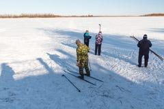 Να κάνει σκι ομάδας ανθρώπων Στοκ Εικόνα