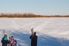 Να κάνει σκι ομάδας ανθρώπων στοκ εικόνες με δικαίωμα ελεύθερης χρήσης
