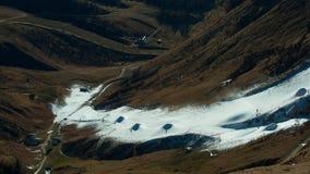 Να κάνει σκι στην τεχνητή διαδρομή Στοκ Φωτογραφίες