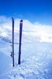 Να κάνει σκι στο βουνό Στοκ Εικόνες