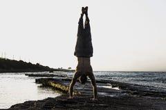 να κάνει τη γιόγκα ατόμων Στοκ φωτογραφίες με δικαίωμα ελεύθερης χρήσης