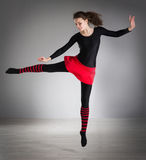 να κάνει τη γυμναστική κορ Στοκ φωτογραφία με δικαίωμα ελεύθερης χρήσης