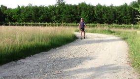 Να κάνει το σκανδιναβικό περπάτημα φιλμ μικρού μήκους