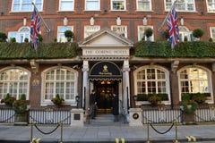 Να κτυπήσει με τα κέρατα το ξενοδοχείο Λονδίνο Στοκ Εικόνες