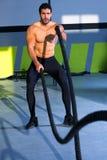 Να μαθεί Crossfit σχοινιά στην άσκηση γυμναστικής workout στοκ εικόνα με δικαίωμα ελεύθερης χρήσης