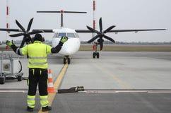 Να μετακινηθεί με ταξί αεροπλάνων Στοκ Εικόνες