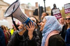 Να μιλήσει έξω στη διαδήλωση διαμαρτυρίας - Λονδίνο Στοκ Φωτογραφίες