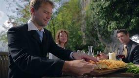 Να δοκιμάσει τα τρόφιμα στην επιχειρησιακή συνεδρίαση απόθεμα βίντεο