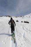 Να περιοδεύσει σκι ατόμων στην Αυστρία Στοκ φωτογραφία με δικαίωμα ελεύθερης χρήσης