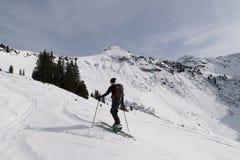 Να περιοδεύσει σκι ατόμων Στοκ Εικόνες