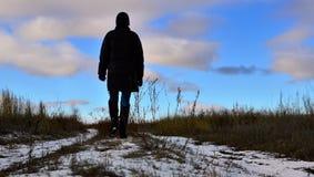 Να περπατήσει μακριά. Ακολουθήστε τον ήλιο Στοκ φωτογραφίες με δικαίωμα ελεύθερης χρήσης