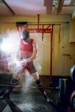 Να προετοιμαστεί για την άσκηση deadlift στοκ εικόνες με δικαίωμα ελεύθερης χρήσης