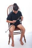 Να προετοιμαστεί για την πρακτική βιολοντσέλων Στοκ Φωτογραφίες